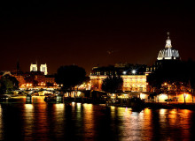 MyFrenchLife™ - parisian romance - seine at night