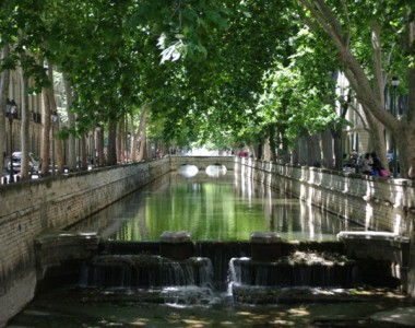 Janelle_Gould_-_Nimes_-_Canal-_My_French_Life™