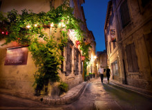 saint rémy de provence night street my french life